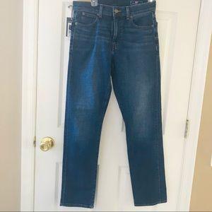 Vineyard Vines blue straight fit denim jeans